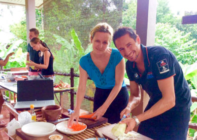 thai-cooking-classes-idjangs-kitchen-koh-tao-thailand-12