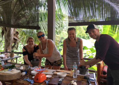 thai-cooking-classes-idjangs-kitchen-koh-tao-thailand-13