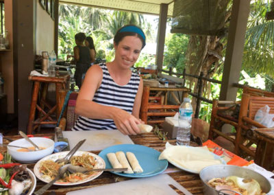 thai-cooking-classes-idjangs-kitchen-koh-tao-thailand-16