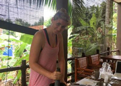 thai-cooking-classes-idjangs-kitchen-koh-tao-thailand-21