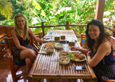 thai-cooking-classes-idjangs-kitchen-koh-tao-thailand-24