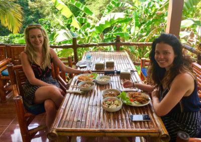 thai-cooking-classes-idjangs-kitchen-koh-tao-thailand-24