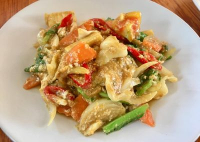 Stir Fry Yellow Curry With Chicken